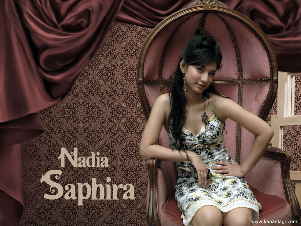 http://symplexcamp.files.wordpress.com/2009/04/04850-nadia-saphira.jpg